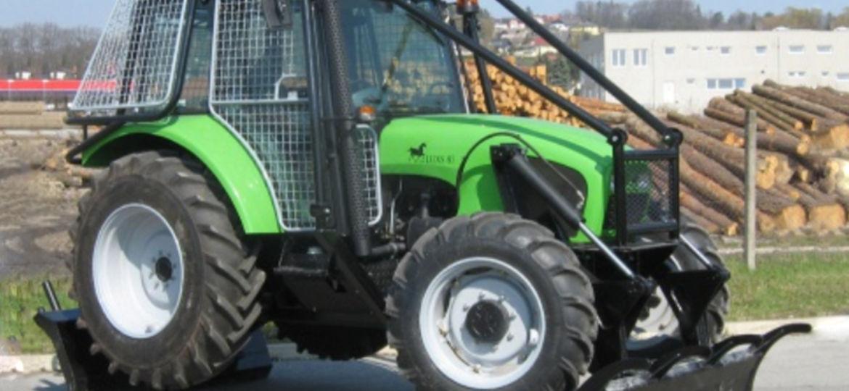 Traktor Limb Luks